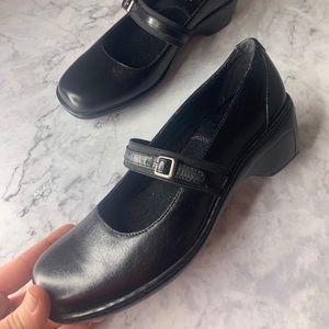 Clark's Leather Block Heel Mary Janes 6M
